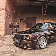 BMW e30 330D touring - M-tech 2 - Brownie
