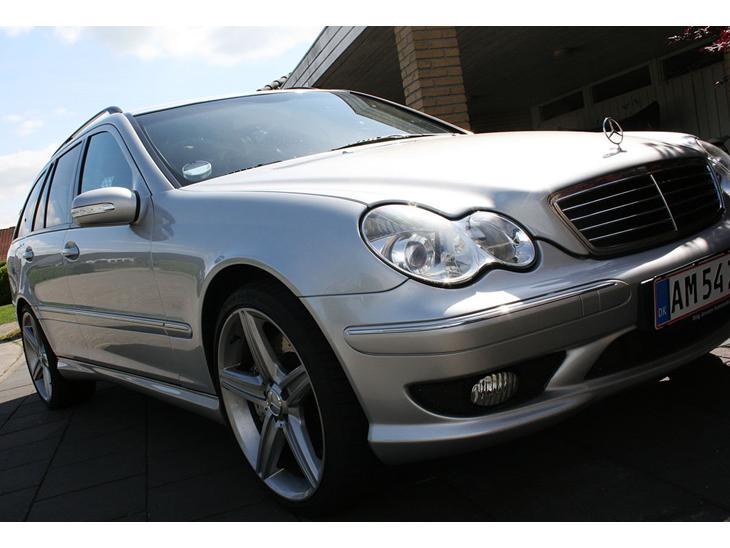 Mercedes benz c32 amg t aut 2002 super dejlig for Mercedes benz text