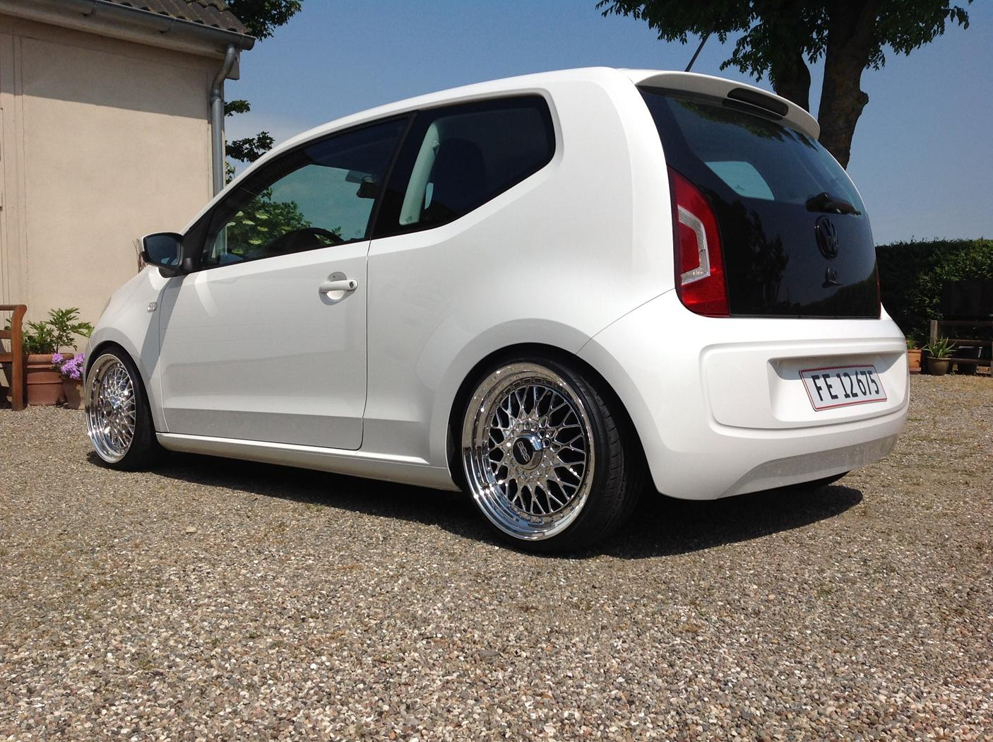 [Imagem: 2925518-vw-up-1_0-60-move-up-bmt]