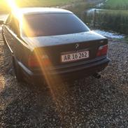 BMW E36 328i/325i. Solgt !
