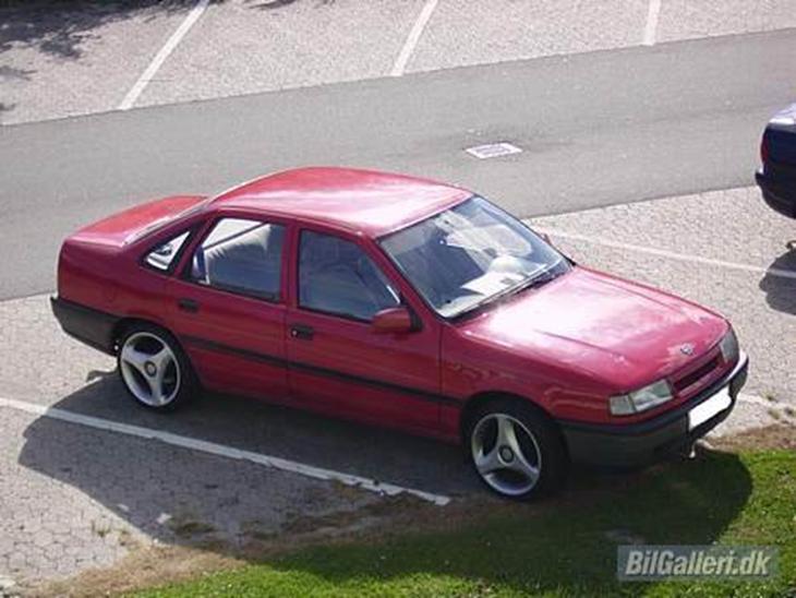 Opel Vectra A 2,0 I (SOLGT) - 1990