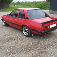 Opel Ascona B 2.0 E