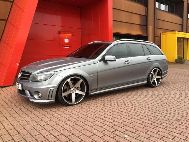 Mercedes benz c63 amg 2010 ja bilen er min egen tag for Mercedes benz text