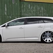 Toyota Avensis T2 Premium
