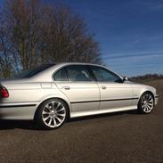BMW 540i 4,4 V8