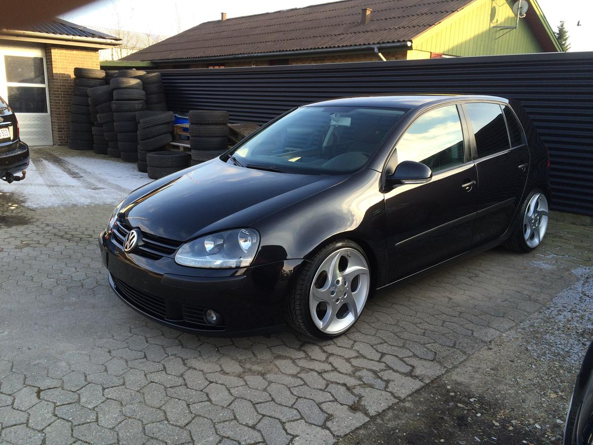vw golf v 1 9 tdi billeder af biler uploaded af 7400 n petersen. Black Bedroom Furniture Sets. Home Design Ideas