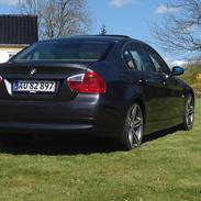 BMW E90 325I Solgt