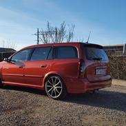 Opel Astra caravan opc