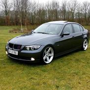 BMW E90 318D