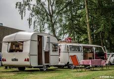 "VW T2 Deluxe Camper bus ""Ollie"""