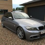 BMW E90 335i performance