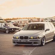 BMW E39 528i solgt