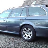 BMW e39 528i