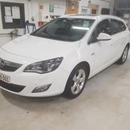 Opel Astra J Sports Tourer 2,0 cdti