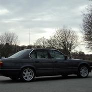 BMW E32 735iA