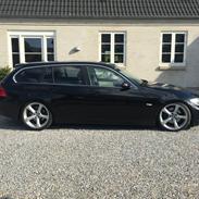 BMW E91 325D