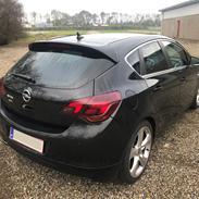 Opel Astra J Sport 2.0´CDTi