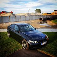 BMW E90 320D shadowline