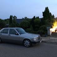 Mercedes Benz 190E