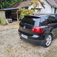 VW Golf 5 GTI DSG. Daily.
