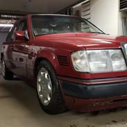 Mercedes Benz W124 300D Turbo
