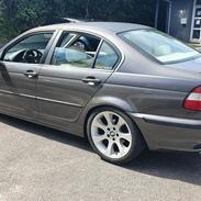 BMW E46 320i - 2.2