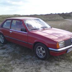 Opel Rekord E1
