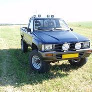 Toyota Hilux 4x4  (solgt)