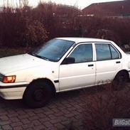 Nissan Sunny 1,6 SLX ( solgt )
