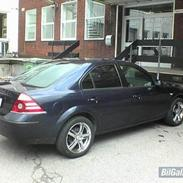 Ford MONDEO 1,8 HO Trend