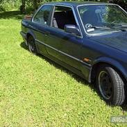 BMW 320 i *SKRALLET* (SOLGT)