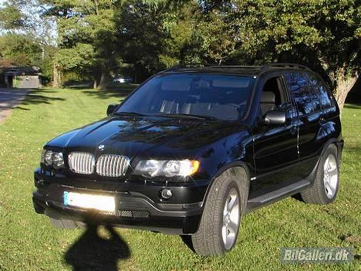 bmw x5 4 6 is solgt 2003 den sluger bare meget benzin. Black Bedroom Furniture Sets. Home Design Ideas