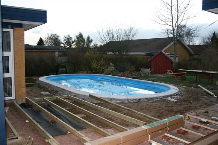 ny terrasse med pool diverse bolig fotos fra who am i. Black Bedroom Furniture Sets. Home Design Ideas