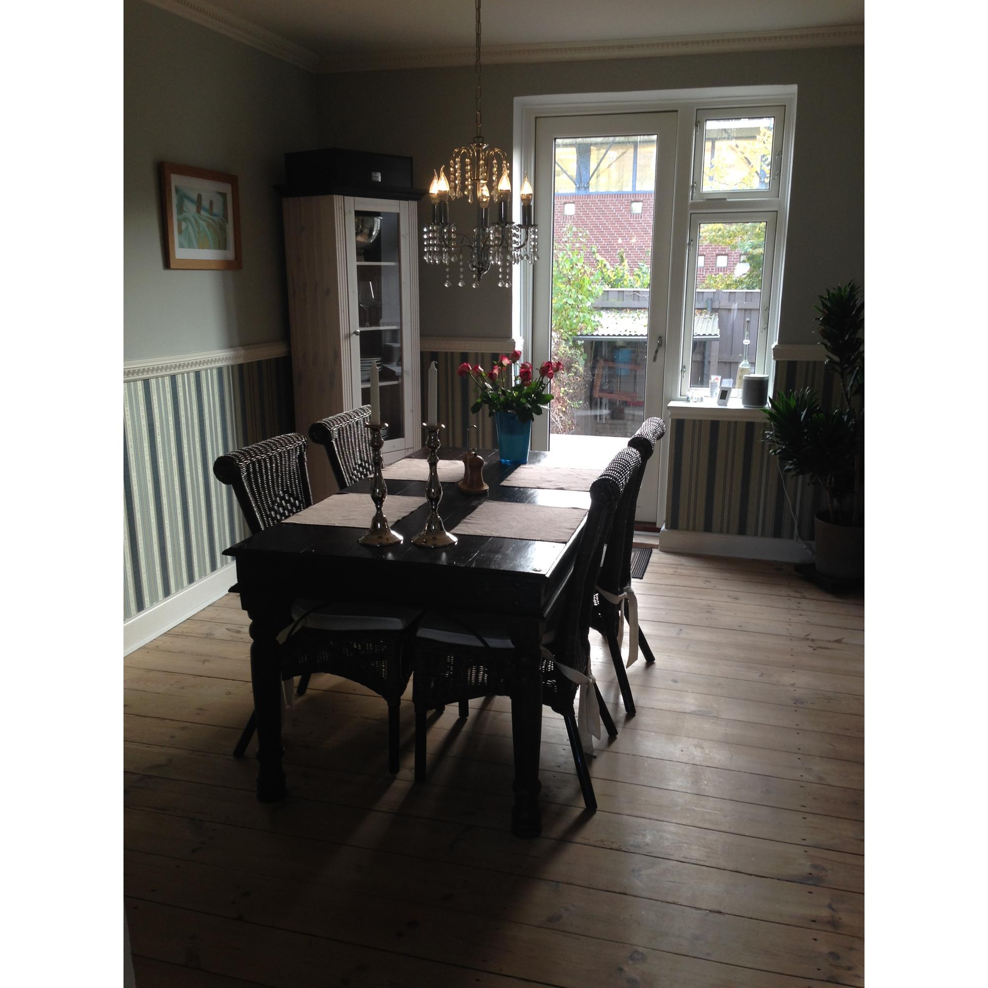Spisebord   stole   kr. 1500   brugte møbler