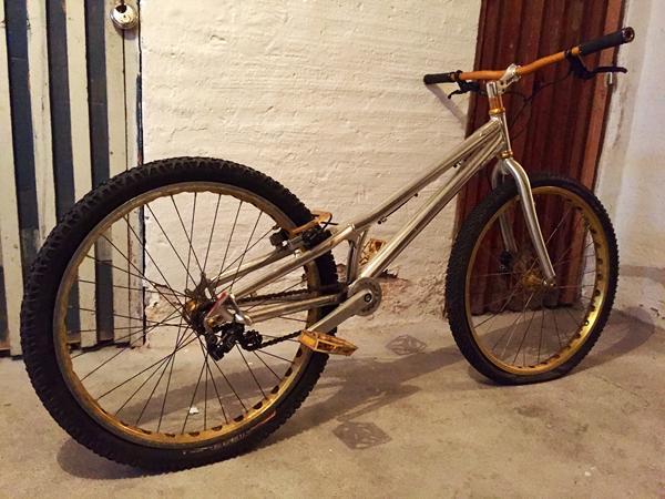 Trial cykel: Nogen der ved noget om den? Hvad er den værd?