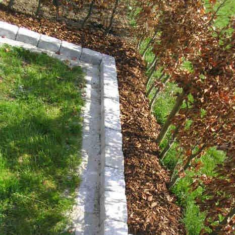 Havebed med stenkant