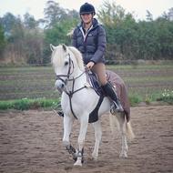 Cecilie Schack   B-rytter !  .