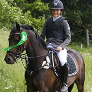 Team Bakkegården *Simone Andersen & Zhantee* A