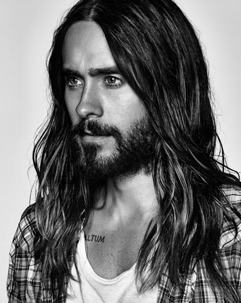 mænd med langt hår