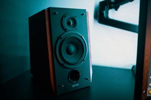Din komplette guide til salg af brugte højtalere på ne...