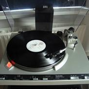 Musikanlæg                   Sony ES