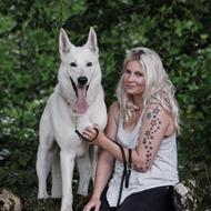 Elisabeth med Lobo og Cody