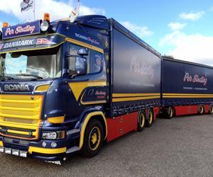 Ny og gammeldags Scania