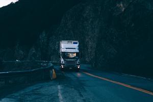 Bliv din egen chef - sådan bliver du lastbilchauffør