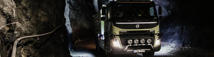 Selvkørende lastbil bliver testet under jorden
