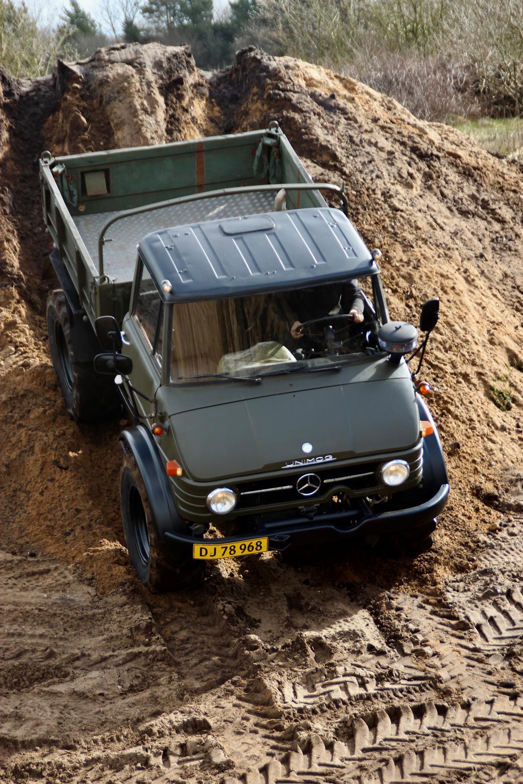 Mercedes Unimog 406 billede 2