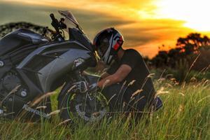En rigtig drengeaften efter en god dag på motorcykel