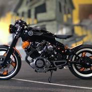 Yamaha XV 750 Bobber/Cafe Racer