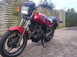 Yamaha XS 400 SECA
