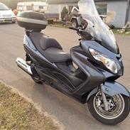 Suzuki Burgman 400 K8